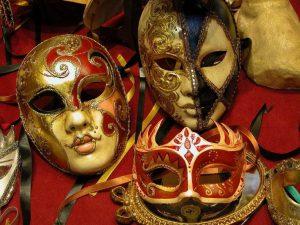 Le maschere di carnevale perfette per i Single