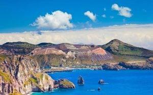 vulcano-isole-eolie-istock-000014066428