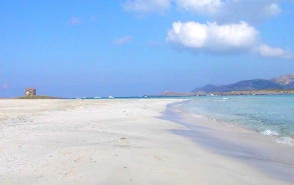 spiaggia-pelosa-stintino-sardegna-586x369
