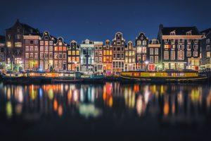 Amsterdam, una magia di luci e colori